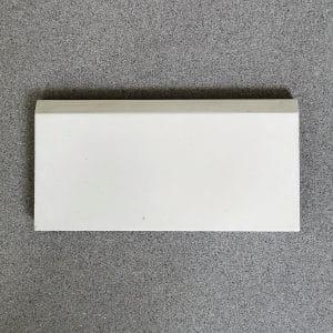 Prix de la boite de 32 PLINTHES P05 Blanc cassé